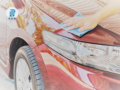 Come lavare l'auto a mano